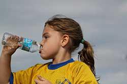 猛暑日!知らなかったじゃすまされない、熱中症本気で予防するならこれ【スポーツ選手8つの対策法】