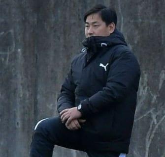 公立の強豪佐賀東高校サッカー部を支えるトレーナーの想いとは?「チーム応援企業取材記事」はっとり整骨院 院長服部浩史さん
